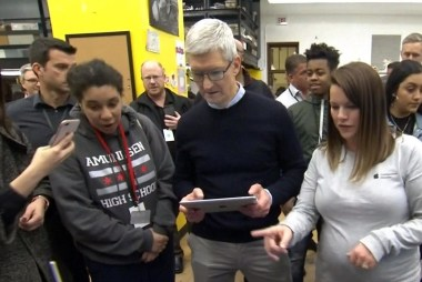 Apple CEO Tim Cook: Technology can't replace teachers