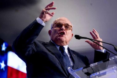 Giuliani on Avenatti: I don't get involved with pimps