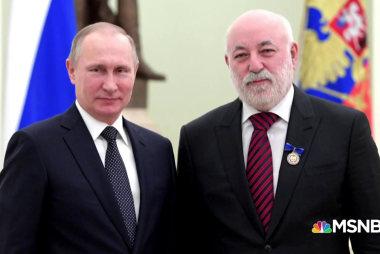 More ties between Russia and Trump's inner circle?