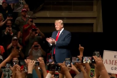 Midwestern voters give mixed reviews on Trump