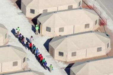Gov't preps up to 4000 beds in tent city for immigrant kids
