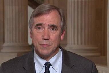 Merkley: Migrants detained at border need four months before asylum hearing