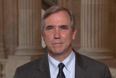 Full Merkley: 'We need the president to actually have a spine' on immigration reform