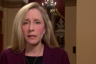 Full Spanberger: FBI's worries about Trump 'concerning to me'