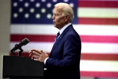 Biden invokes Obama to defend his record after apologizing for controversial remarks