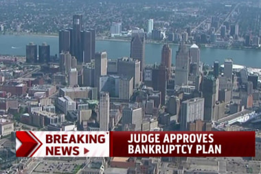 Judge approves Detroit bankruptcy plan