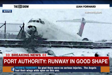 Winter weather causes travel trouble at LGA