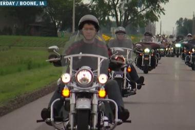 Walker attends Ernst's Roast and Ride in Iowa