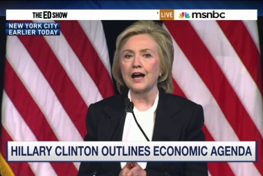 Clinton pitches populist economic agenda