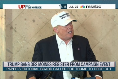 Trump bans Iowa paper from campaign event