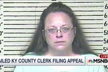 Jailed Kentucky clerk stands her ground