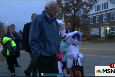 Bernie Sanders goes trick-or-treating