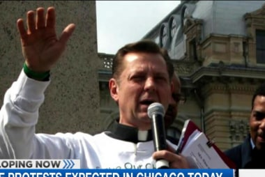 Priest recounts meeting with Chicago...