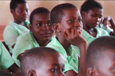 3 out of 5 students in Malawi have no desk