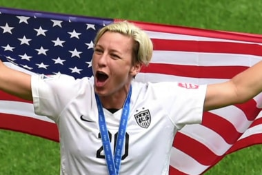 Dunham and Wambach join 'Team Hillary'