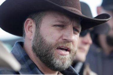 Ammon Bundy in custody, 1 dead in OR shootout