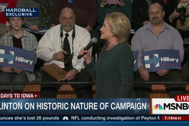 Clinton wants to make Dem debate happen
