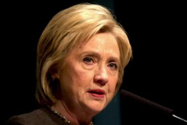 Poll: Clinton, Sanders close in Iowa