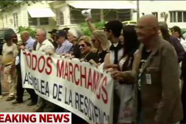 Cuban-Americans protests Obama's visit