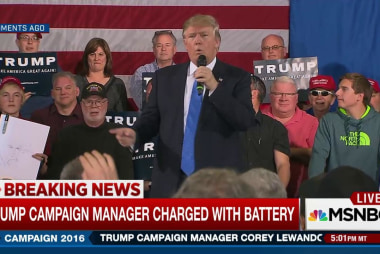 Trump stands behind campaign manager
