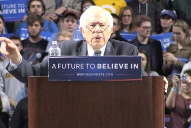 'Qualified': Democrats' war of words...