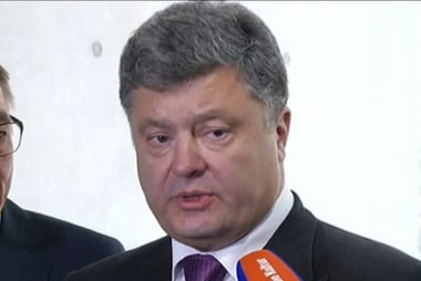 Ukrainian president pushes for peace
