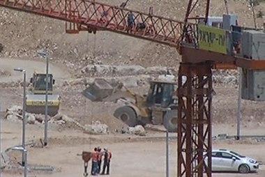 Pressure increases over Israeli settlements
