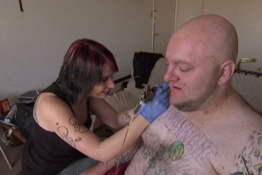 Life After Lockup: Michael Gill gets a tattoo