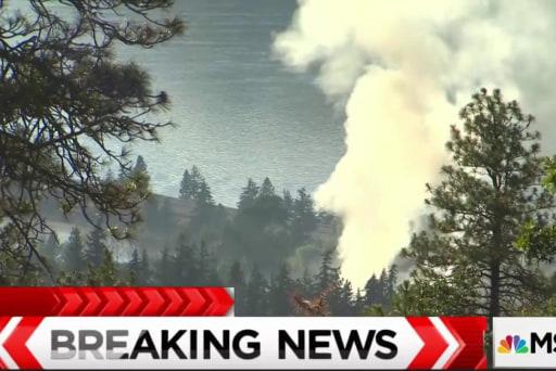 Oil train derails, catches fire in Oregon