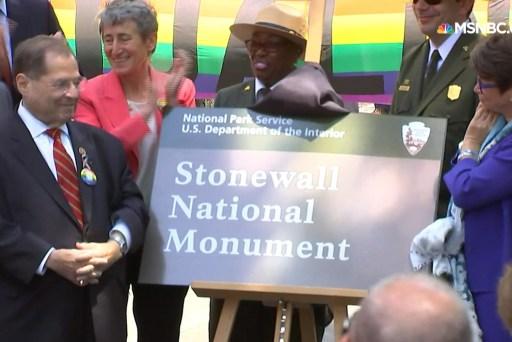 Stonewall Inn gets nat'l monument designation
