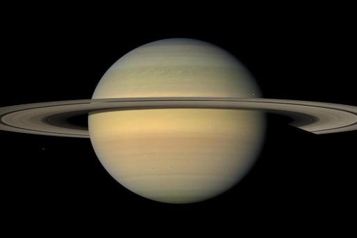 Cassini probe takes last gasp, dives...