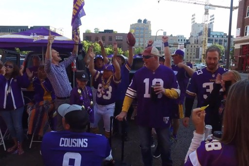 Minnesota Vikings fans sound off on Midterms