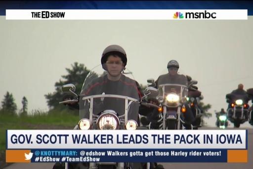 Walker generates buzz in Iowa