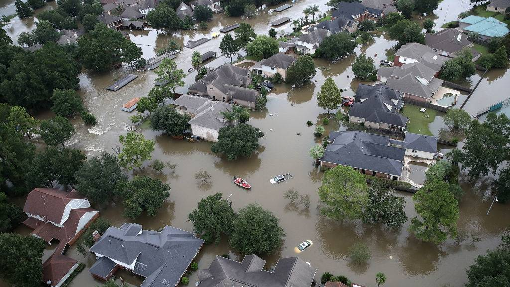 dangers and destructions of floods and hurricanes Hurricanes hurricanes are tropical depressions which develop into severe storms characterized by winds directed inward in a spiraling pattern toward the center they are generated over warm ocean water at low latitudes and are particularly dangerous due to their destructive potential, large zone of influence, spontaneous generation, and.