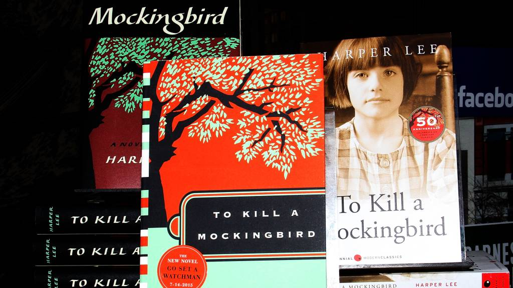 kill mockingbird mississippi burning In chapter 10, scout also learned that it was a sin to kill a mockingbird in part one, we are able to see how the different problems in the adult world of maycomb started to affect scout in part 2 of the story, calpurnia brought the children to a black church where only negroes went to.
