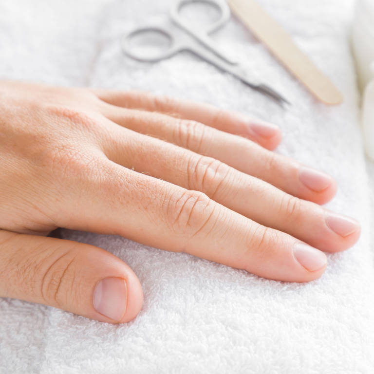 What is nail clubbing? Curved fingernails can signal lung cancer