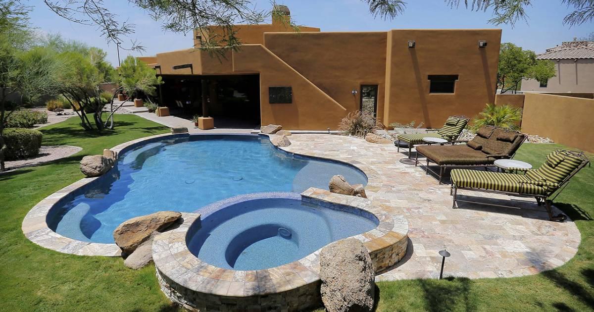 Million dollar homes for 250000 dollar house