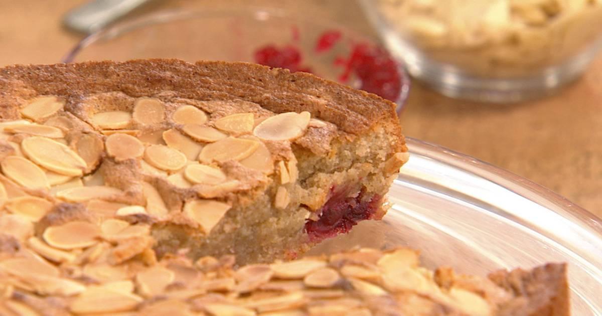Apple Pear Crumble Cake
