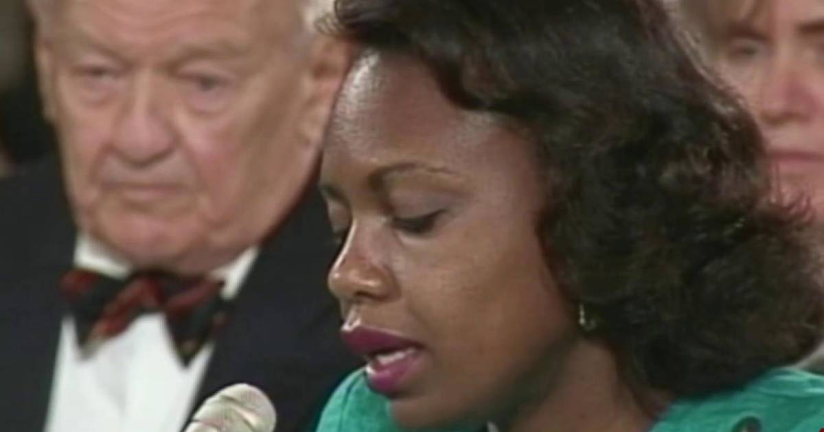 the infamous sexual harassment case by professor anita hill against clarence thomas Professor anita f hill, right, is sworn-in to testify before the united states senate judiciary committee on the confirmation of judge clarence thomas to be associate justice of the us supreme.