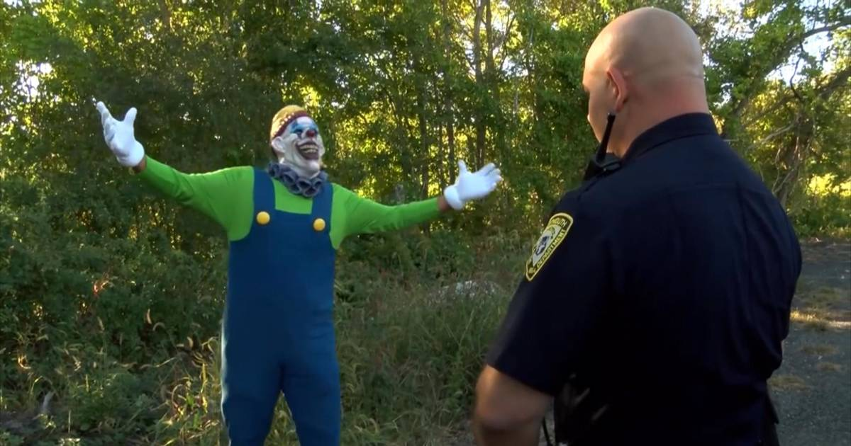 Cops Don T Send In The Clowns