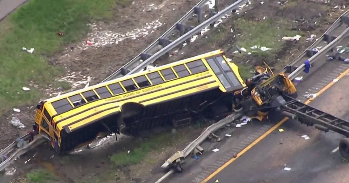 At Least 2 Dead Many Injured In New Jersey School Bus Crash