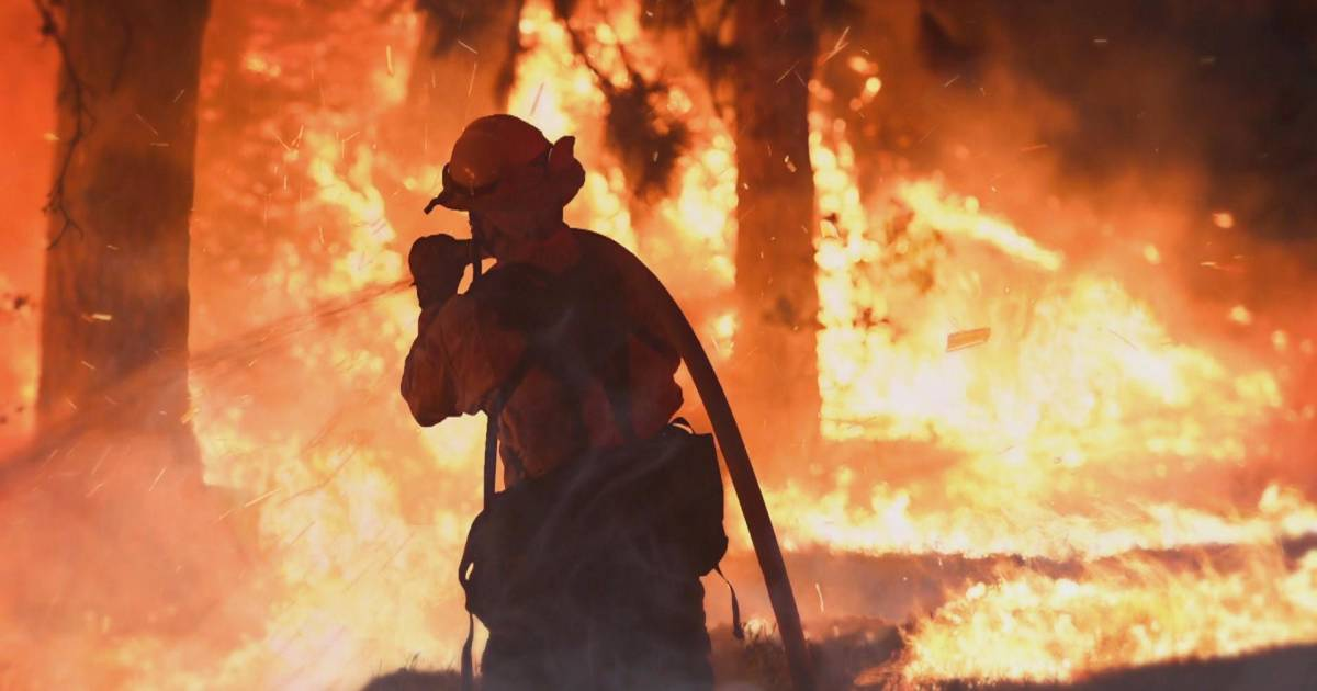 Fire crews across the nation called to battle Mendocino Complex fire