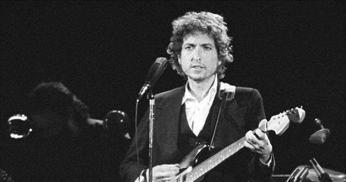 bob dylans impact on popular music Bob dylan had already perfected folk with his second album, the revelatory the freewheelin' bob dylan amidst all the timely protest songs, there was this powerful ballad, one of the greatest.
