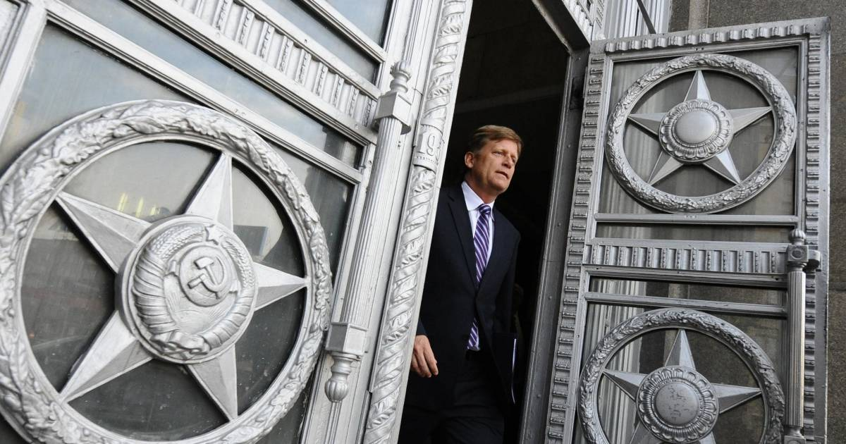 Us Ambassador To Russia Says Goodbye To Troubled Post