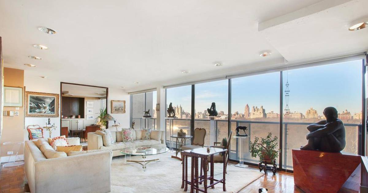 Paul mccartney buys manhattan penthouse with central park for 70 park terrace east new york ny