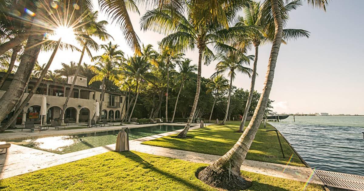 Phil Collins Buys J Lo S Tropical Miami Estate