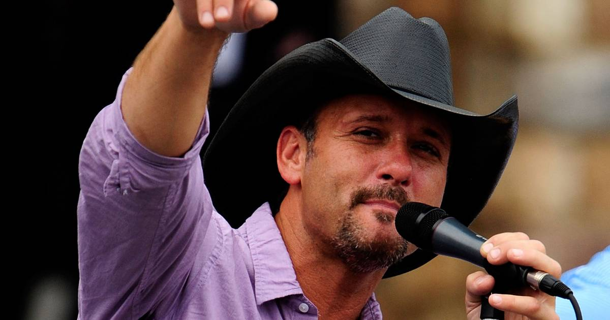 Tim Mcgraw Awards Mortgage Free Houses To Miltary Veterans