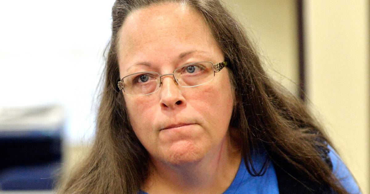 Kentucky Clerk Kim Davis, Who Refused to Issue Marriage Licenses to Gays, Seeks to End Case