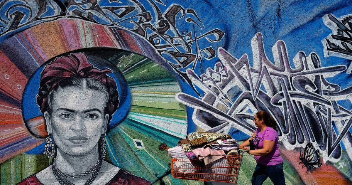 Latino Street Artists Inherit L.A.'s Chicano Tradition