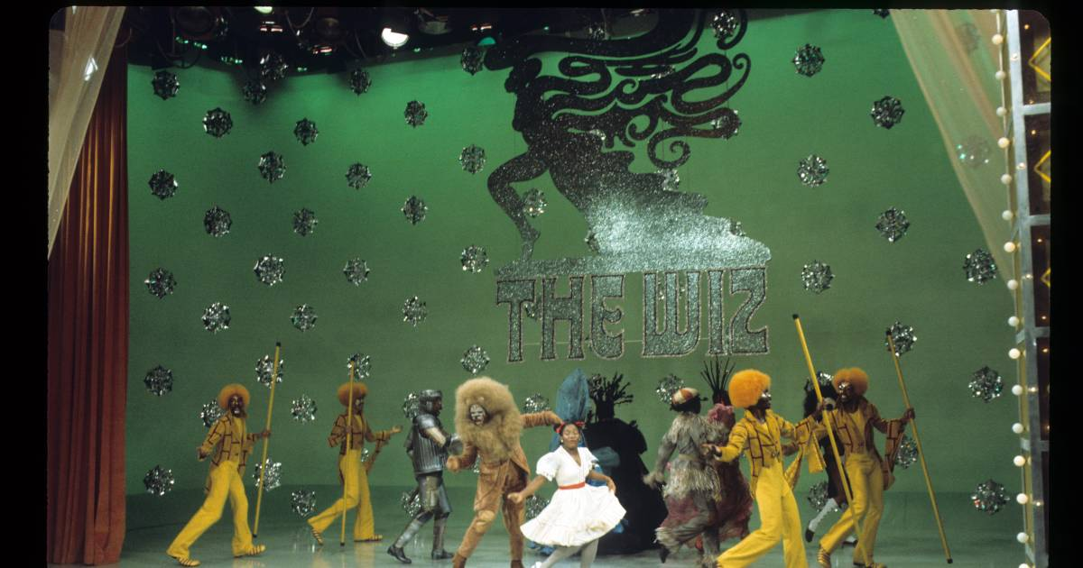 the wiz essay Dorothy, the scarecrow, a witch named evillene and that charismatic huckster the wiz will light up the stage in this uproarious, song-filled adaptation of the wizard of oz, told through the lens of the african-american experience with its arch social commentary, journey of self-discovery and.
